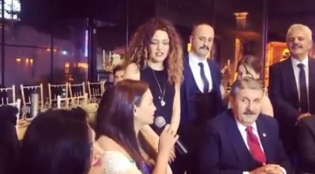 Qənirə Paşayeva türk millət vəkili ilə mahnı oxudu - Video