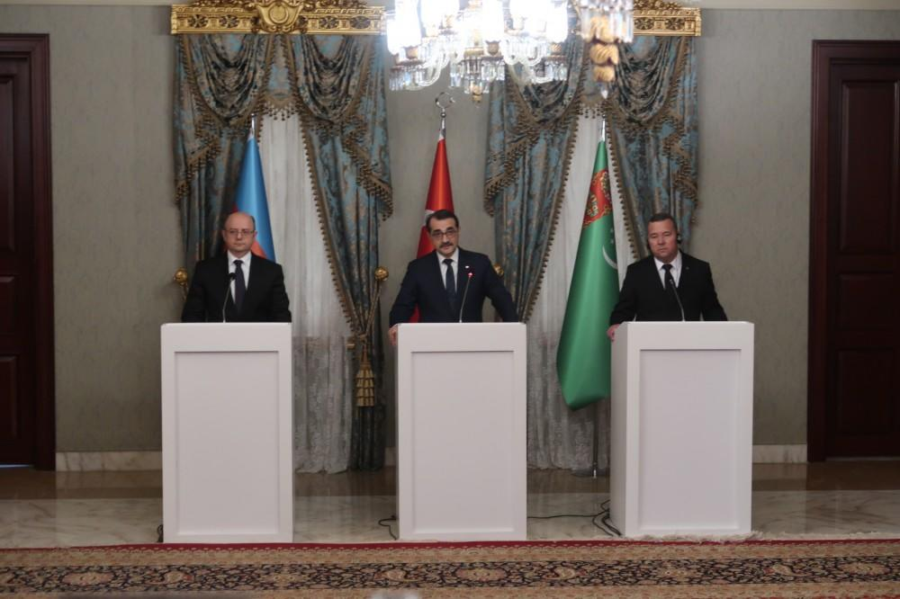 Turkey, Azerbaijan and Turkmenistan are together