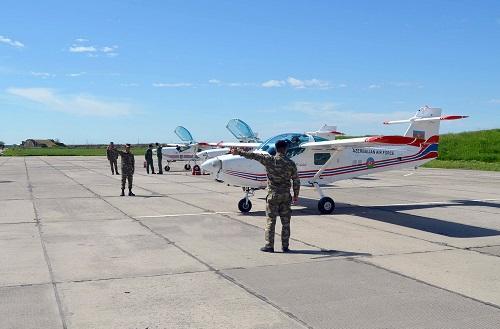 Военные пилоты приступили к учебным полетам - Видео