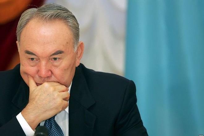Nazarbayevin əlifba islahatı gecikir...