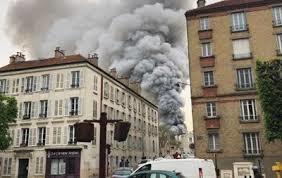 Fransada daha bir güclü yanğın: Versalda...