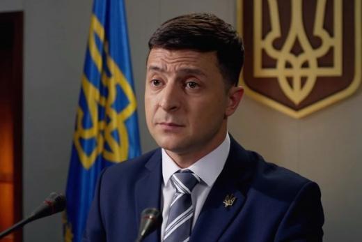 Zelenski Ukrayna tarixində ilkə imza atdı