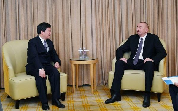 Ильхам Алиев проводит важные встречи в Пекине - Фото