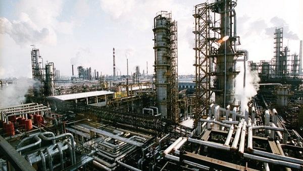 Бакинский НПЗ встанет на ремонт в октябре