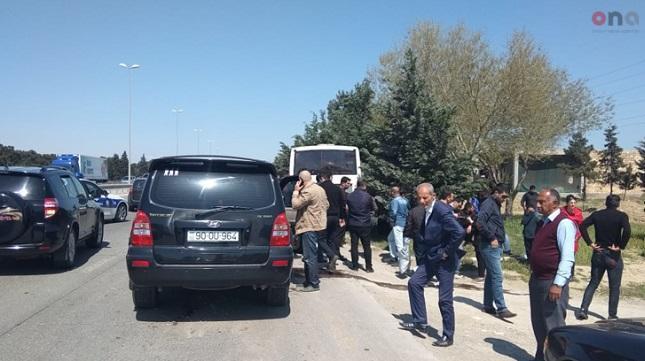 Bakı-Sumqayıt yolunda avtobus qəzası: yaralılar var