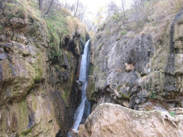 شرقی آذربایجانین توریستیک مکانی: گولاخیر شلالهسی - فوتو