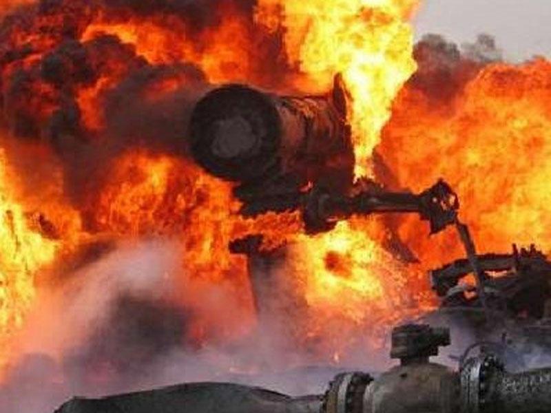 İsrailin neft kəməri vuruldu - Güclü yanğın