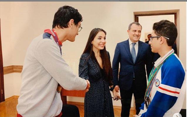 Leyla Əliyeva olimpiada qalibləri ilə görüşdü -