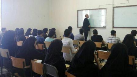 """""""آذربایجان تورکجهسینه گیریش"""" سینفینین نؤوبتی درسی"""