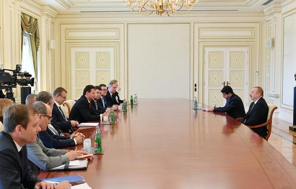 İlham Əliyev Çexiya parlamentinin spikeri ilə görüşdü