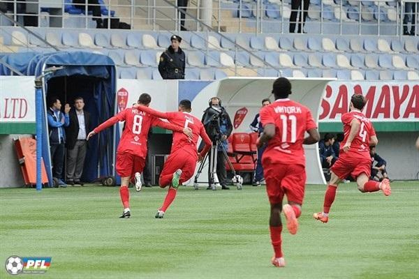 Azərbaycanlı futbolçu qol vurdu, əsgər salamı verdi