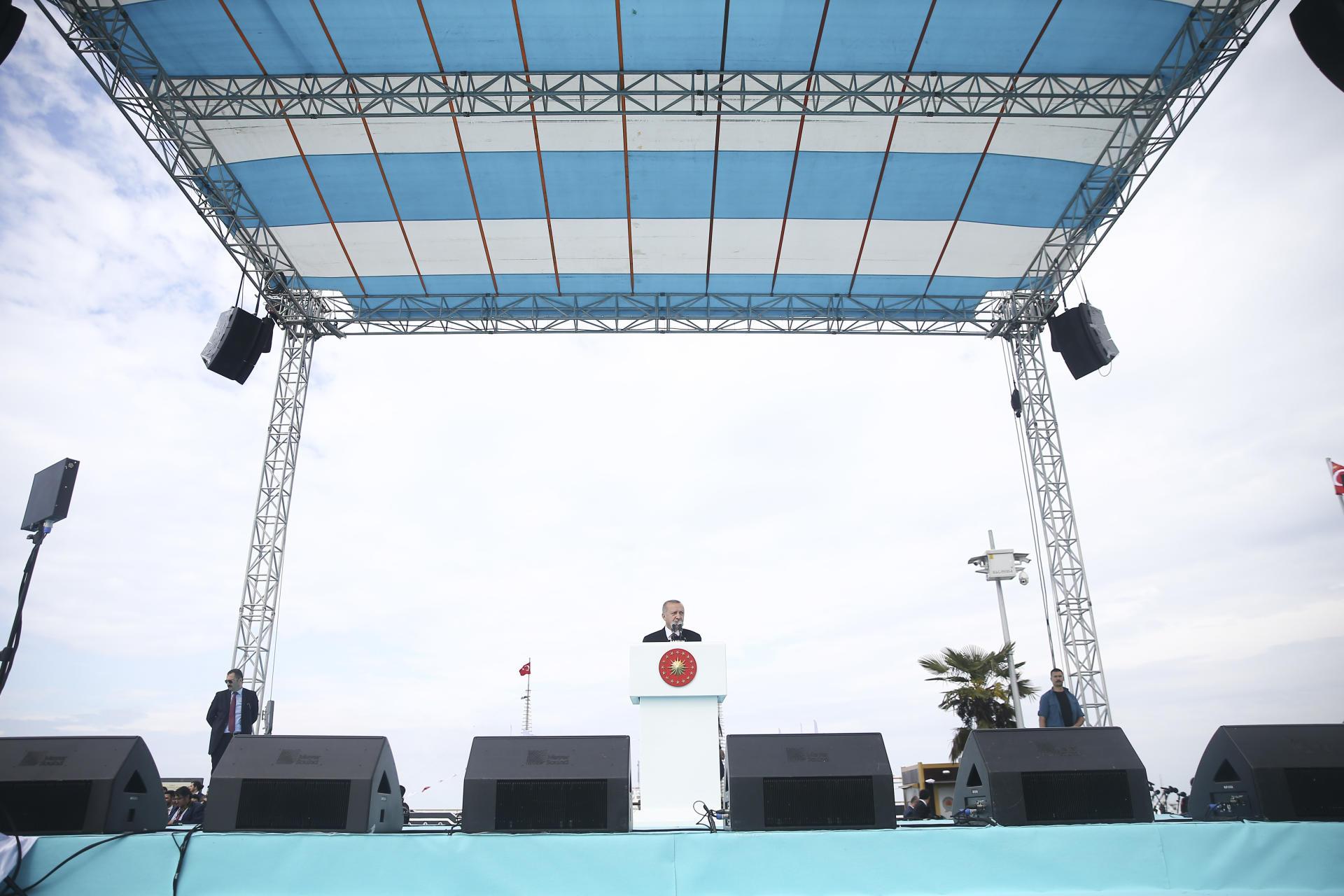 Турки на измену ответили лишь переселением - Эрдоган