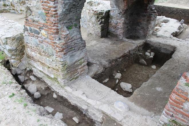 В Азербайджане найден древний христианский памятник - Фото