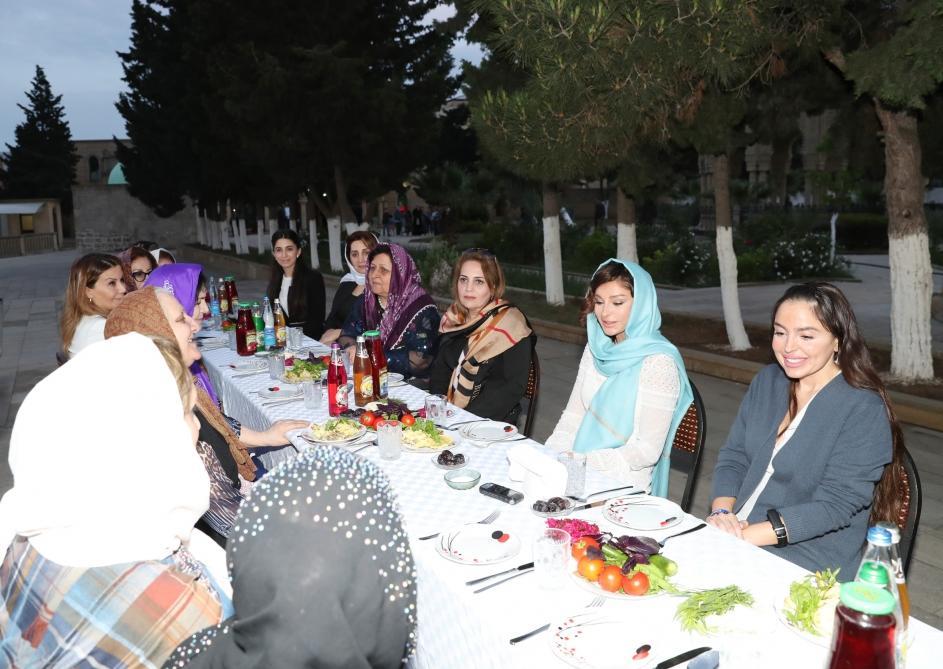 Mehriban Əliyeva iftar mərasimində - Foto