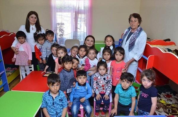 Millət vəkili uşaq bağçalarında - Foto