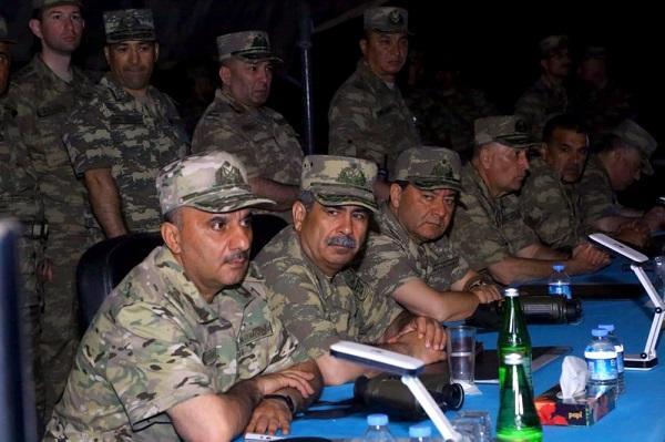 Nazir Ordumuzun gecə atışlarını izlədi - Video