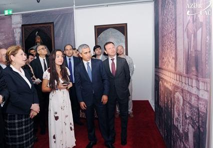 """Leyla Əliyeva """"Tarixin şah əsərləri"""" adlı sərgidə - Foto"""