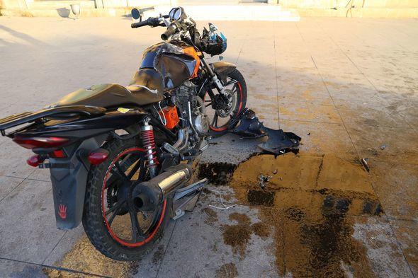 Bakıda ağır qəza: motosiklet maşına çırpıldı