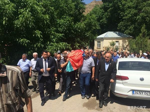 Вдова Абульфаза Эльчибея похоронена - Фото