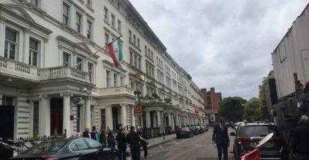 Демонстранты блокировали посольство Ирана в Лондоне