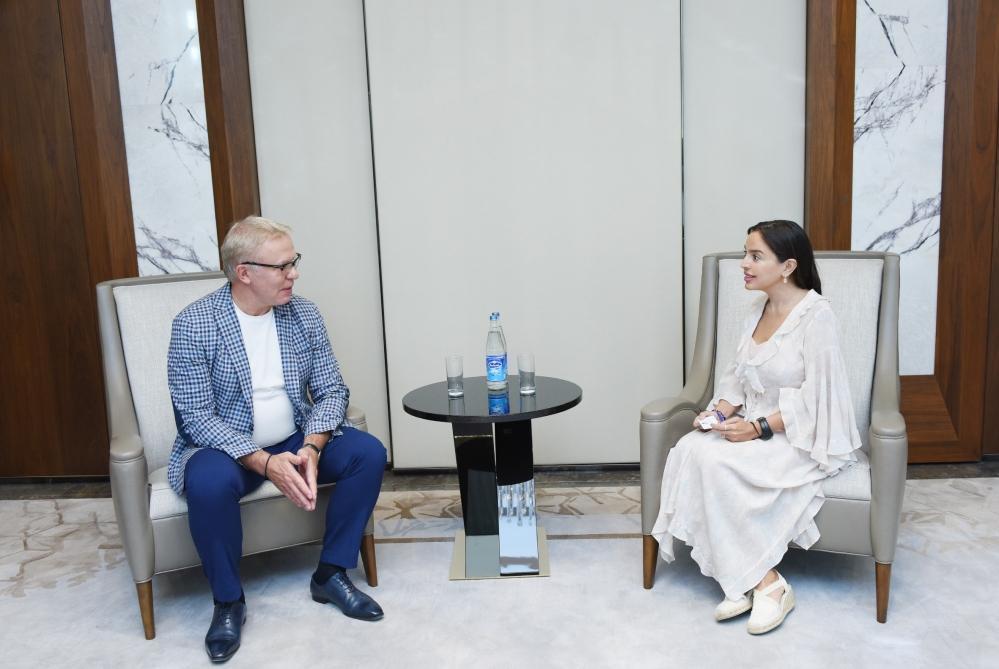 Leyla Aliyeva meets with UN ambassador Vyacheslav Fetisov