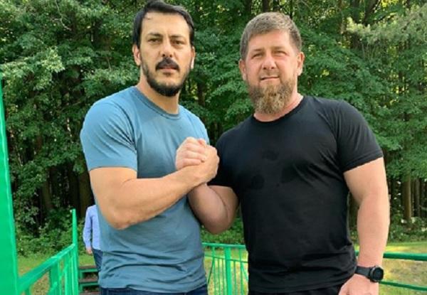 Kadırov Minskdə Səmədovla döyüşdü - Video