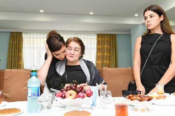 Мехрибан Алиева на церемонии поминовения видного ученого