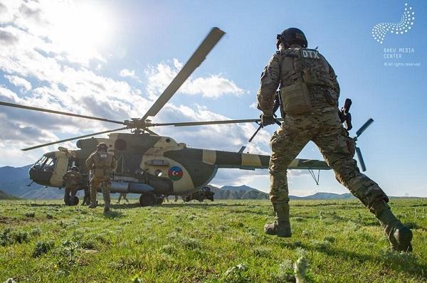 Bakı Media Mərkəzi ordumuzun möhtəşəm fotolarını yaydı