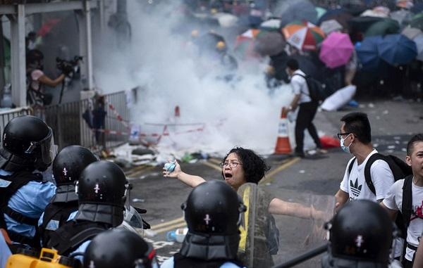 Названы имена четырех организаторов протестов в Гонконге