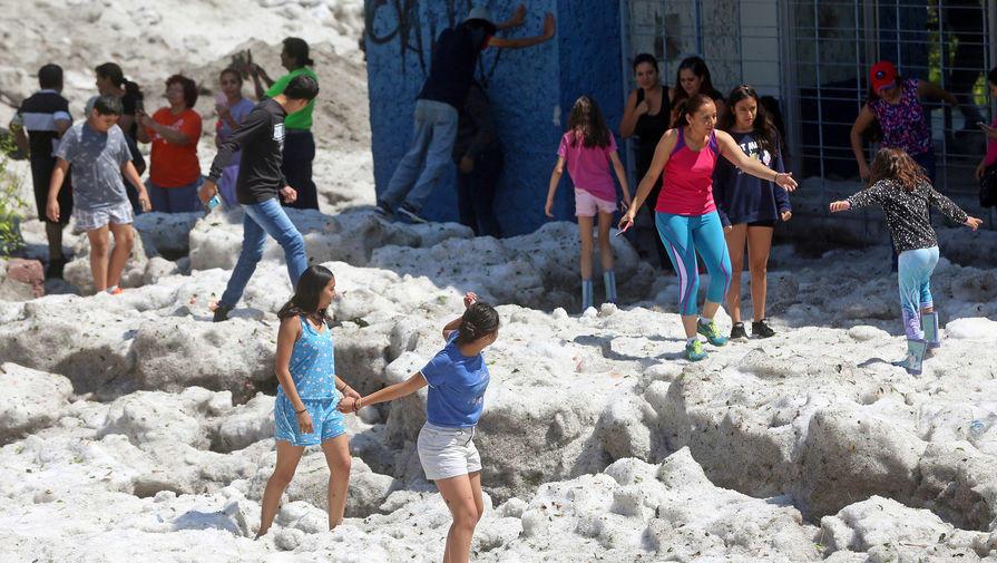 Meksika sahillərində güclü zəlzələ oldu