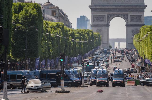 """Fransada """"Boz Qurdlar"""" ermənilərə qarşı aksiya keçirdi"""