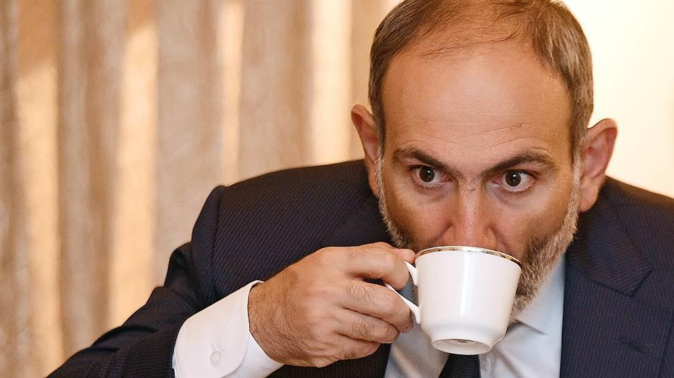 The BBC presenter put Pashinyan in a bad situation