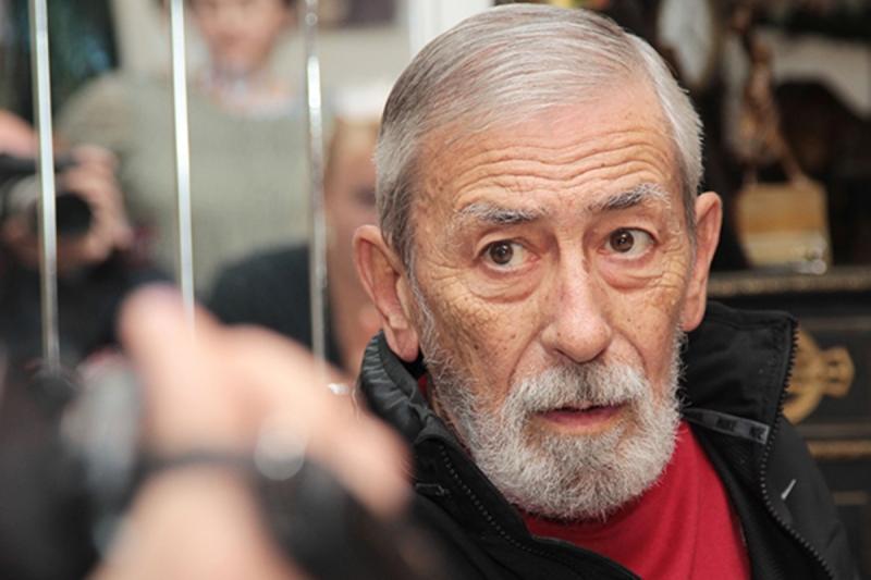 Kikabidze Saakaşvilinin partiyasının siyahısına rəhbərlik edir