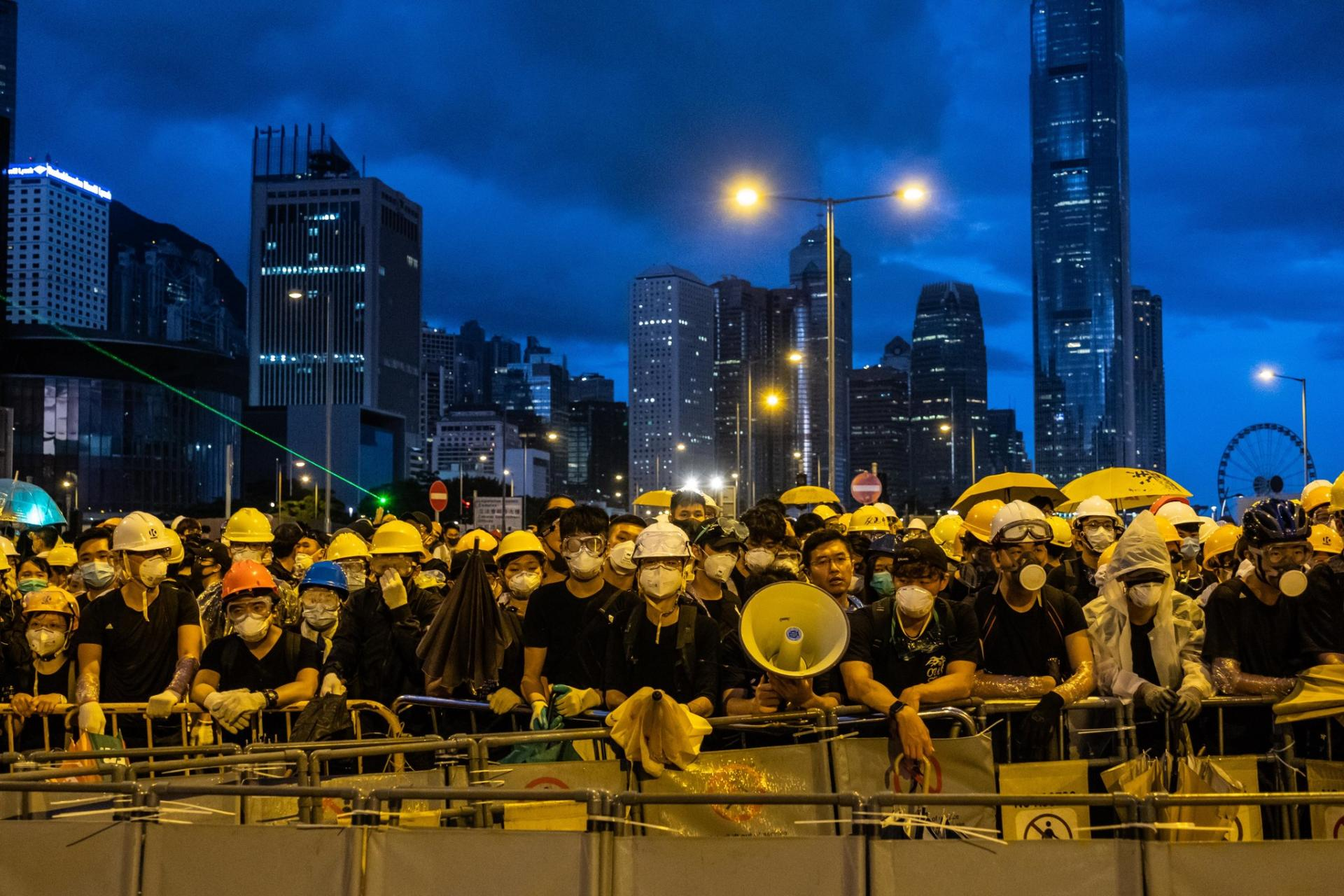 Hong Kong police criticized over failure to stop attacks
