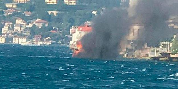İstanbul boğazında yaxta belə alovlandı: 8 nəfər... - Video