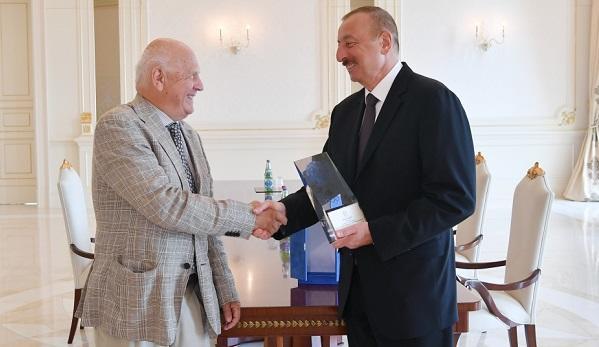 İlham Əliyev Yanes Kosyançiçlə görüşdü - Foto