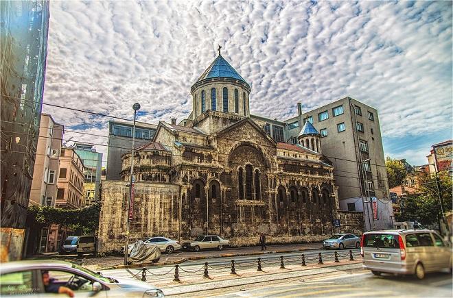 Армяне выбирают «главу народа» в Турции