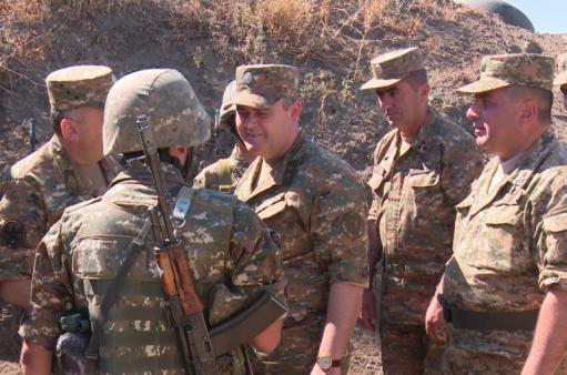 Erməni ordusu itki verdi, erməni general sərhədə gəldi