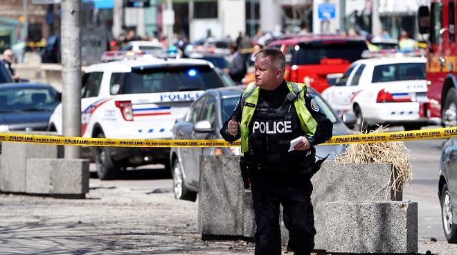 В Торонто неизвестный открыл стрельбу по прохожим