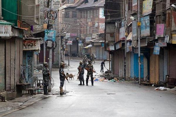 Власти Индии восстановили доступ в интернет в Кашмире