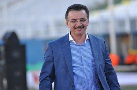لغو پرواز های تبریز مانع حضور مالک باشگاه تراکتور در فرمول یک شد