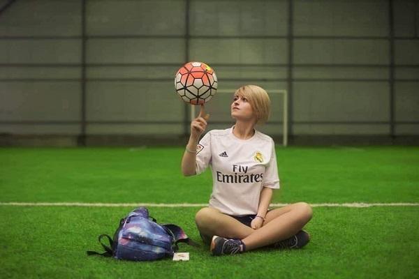Xanım azarkeşimiz: O futbolçunu çox sevirəm