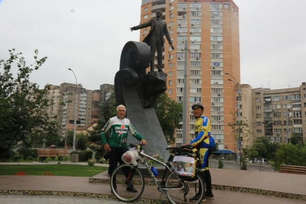 Özbək müğənnidən inanılmaz: Maqomayevə görə... - Foto