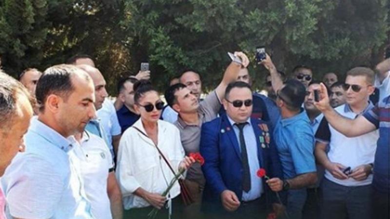 Mehriban Əliyeva şəhidlərin məzarını ziyarət etdi - Foto