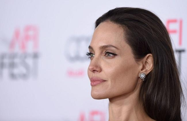 "Angelina Jolie: ""I Don't Want to Be Young Again"""