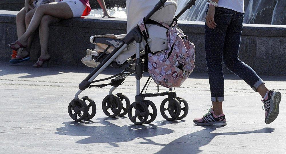 Женщины с колясками провели акцию протеста в Ереване