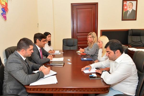 Rafiq Bayramov AXA-nın nümayəndə heyəti ilə görüşdü