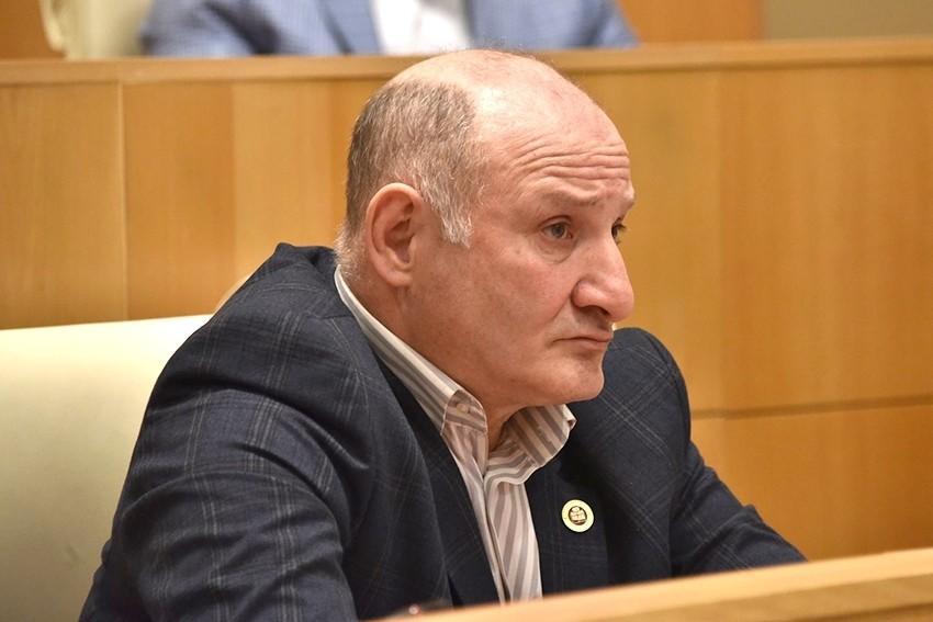 Ombudsman azərbaycanlını aşağılayan deputatı tənqid etdi