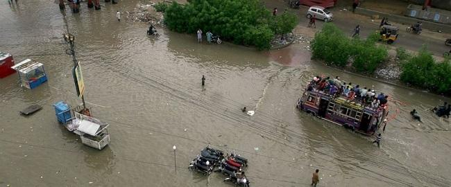 Pakistani authorities evacuate 2,000 due to flood