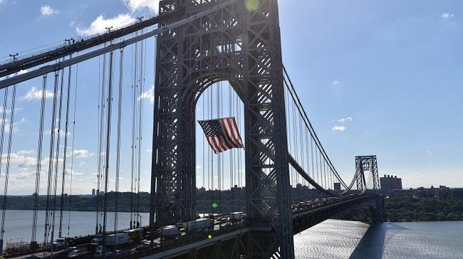 Washington bridge shut down due to a bomb threat in NY